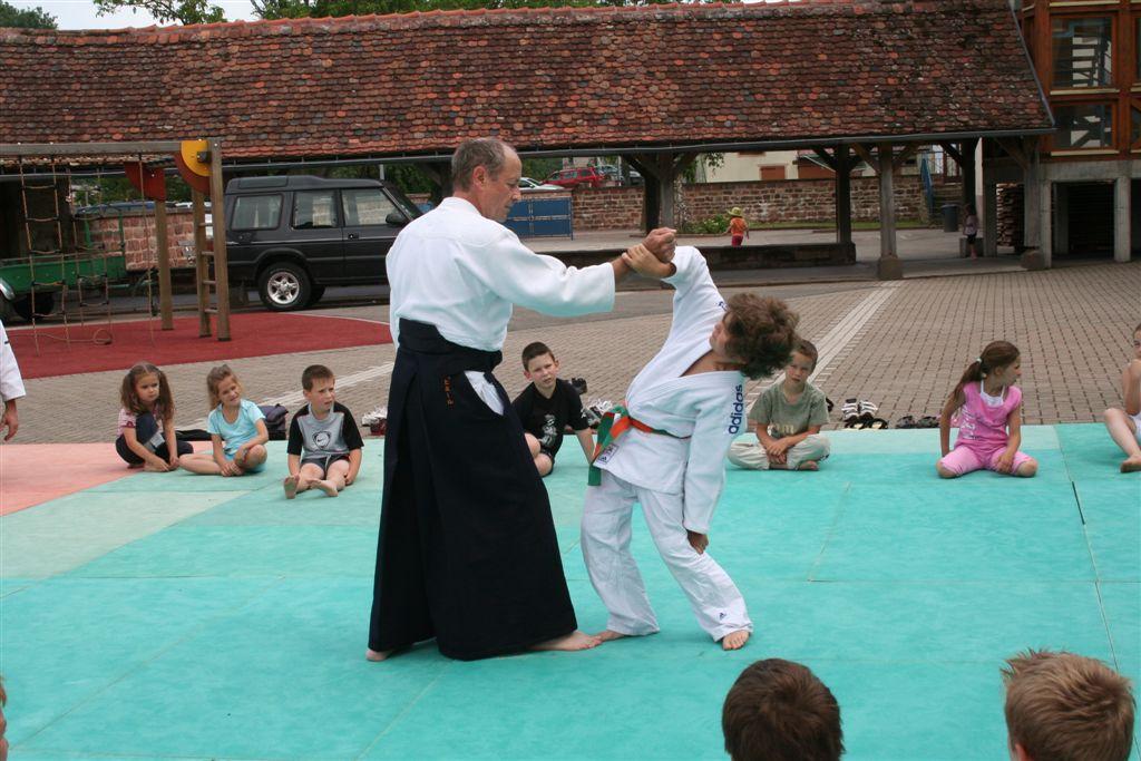 Démonstration Aikido à Marmoutier_20060628_020