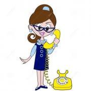La fille parle au telephone 26102378